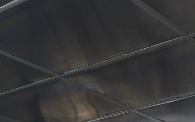 Plaques d_impressions au plafond 3
